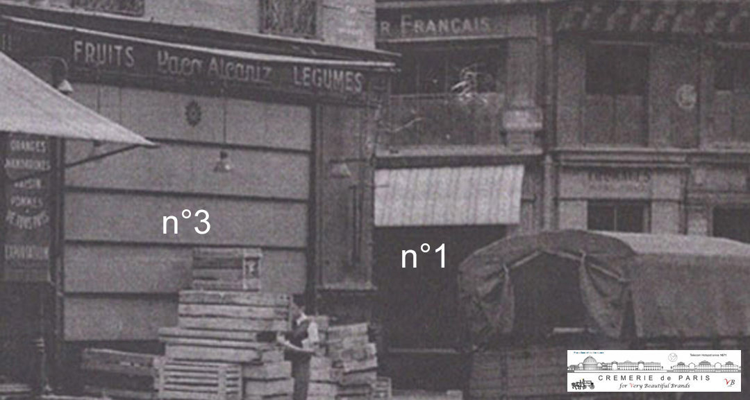 Arriving in Paris in 1920, Dmitri Romanov wanted to see if the Cremeries de Paris really exited. In the meantime Cremerie N°3 had turned into fruit store Paco Alcaniz, Cremerie N°1 and Cremerie N°6 were still selling cheese. Cremerie N°2 was the entrance of the building. The magic of the Cremeries reminded Dmitri of the good old times spend with the Romanov children.